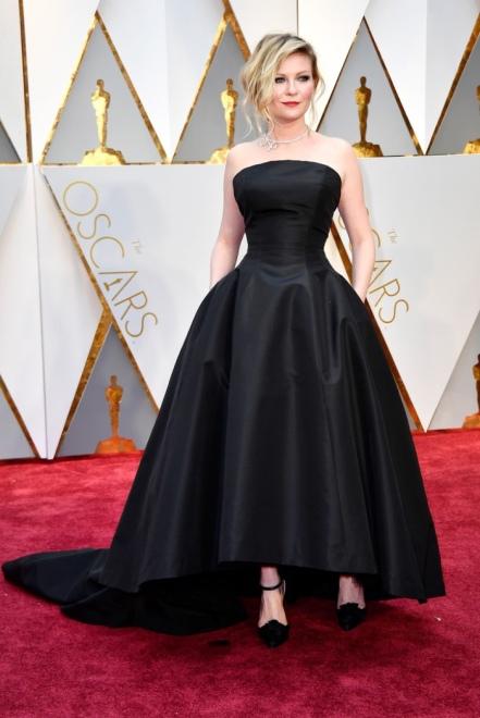 kirsten-dunst-dior-haute-couture-dress-2017-oscars